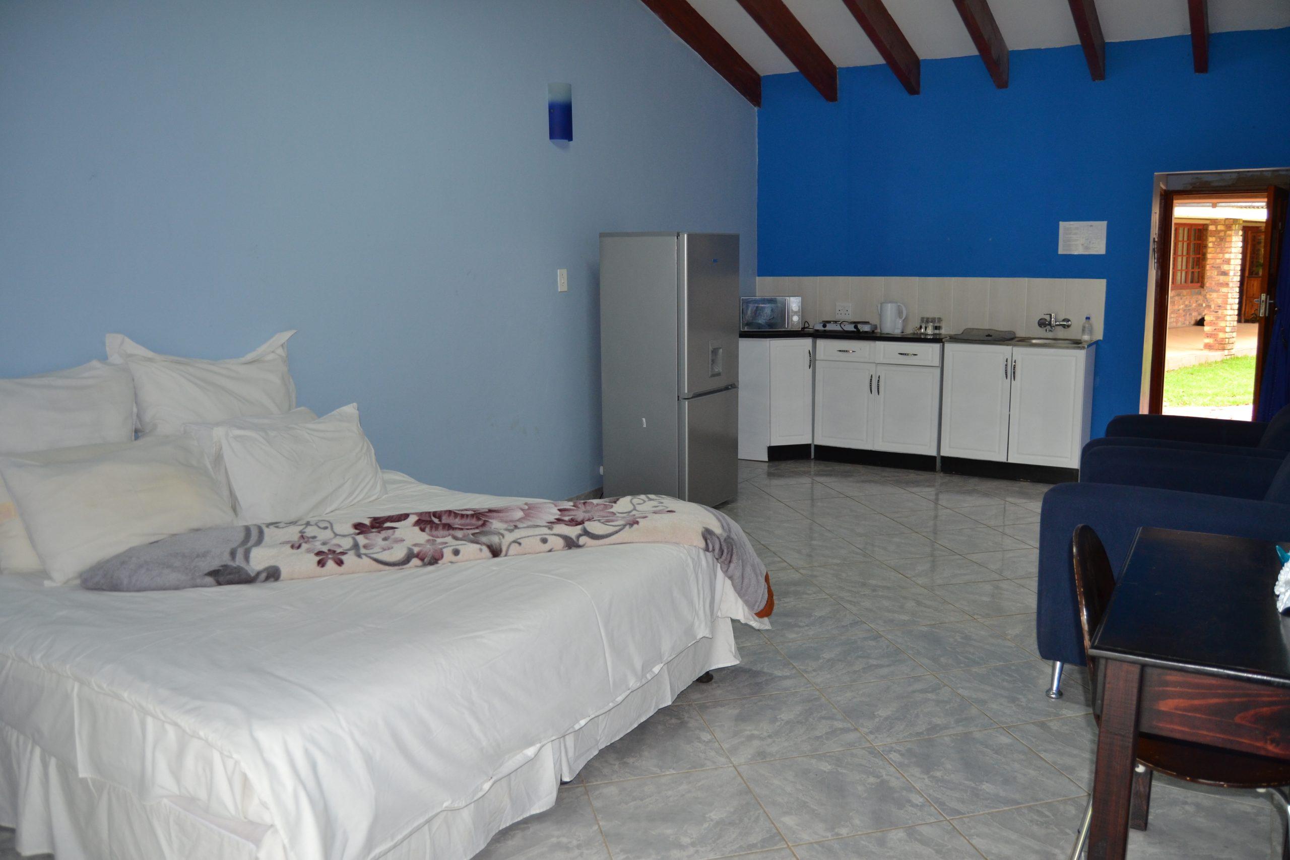 Twin Room 6 (3)